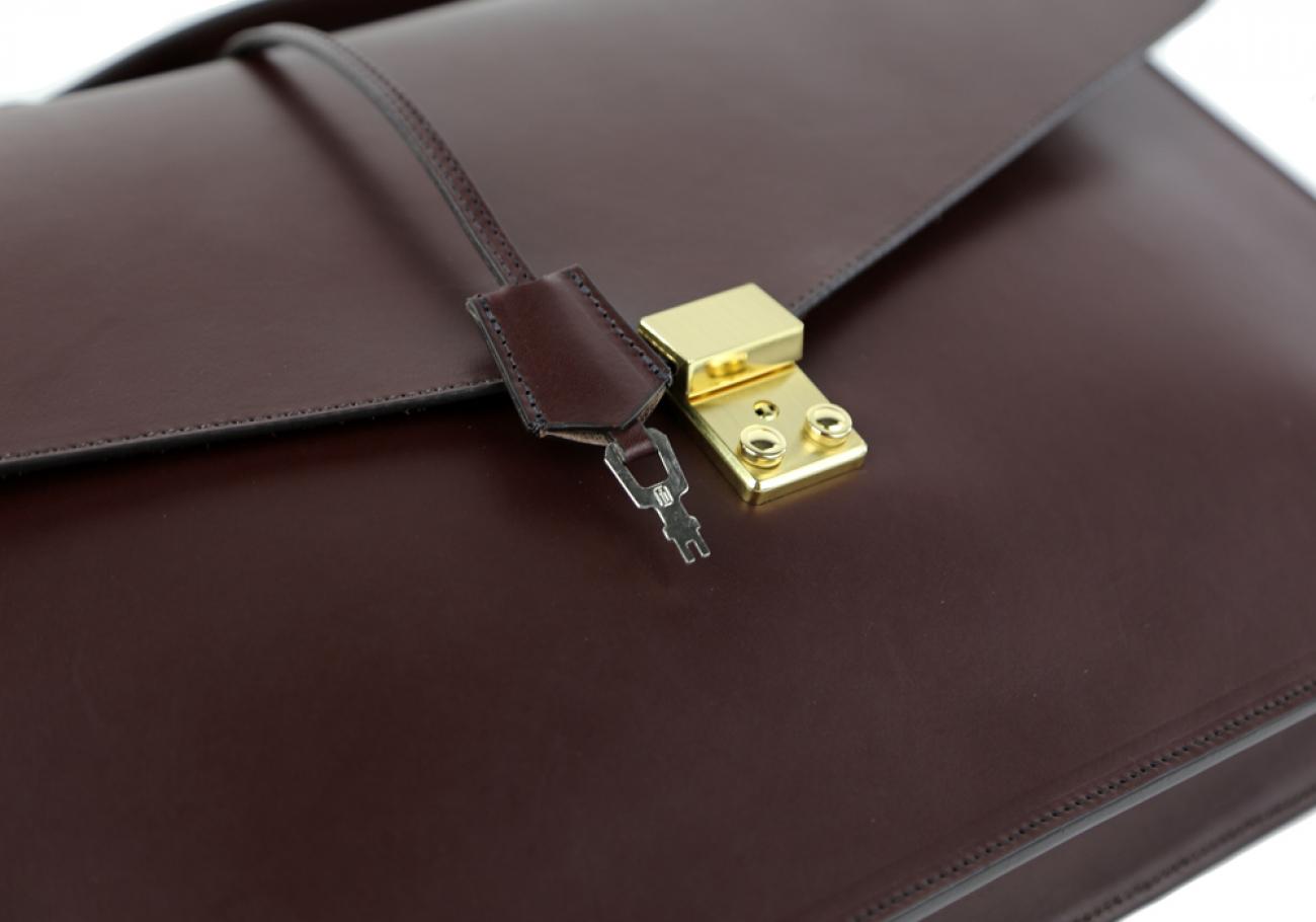 Chocolate Leather Lock Portfolio With Handle 6