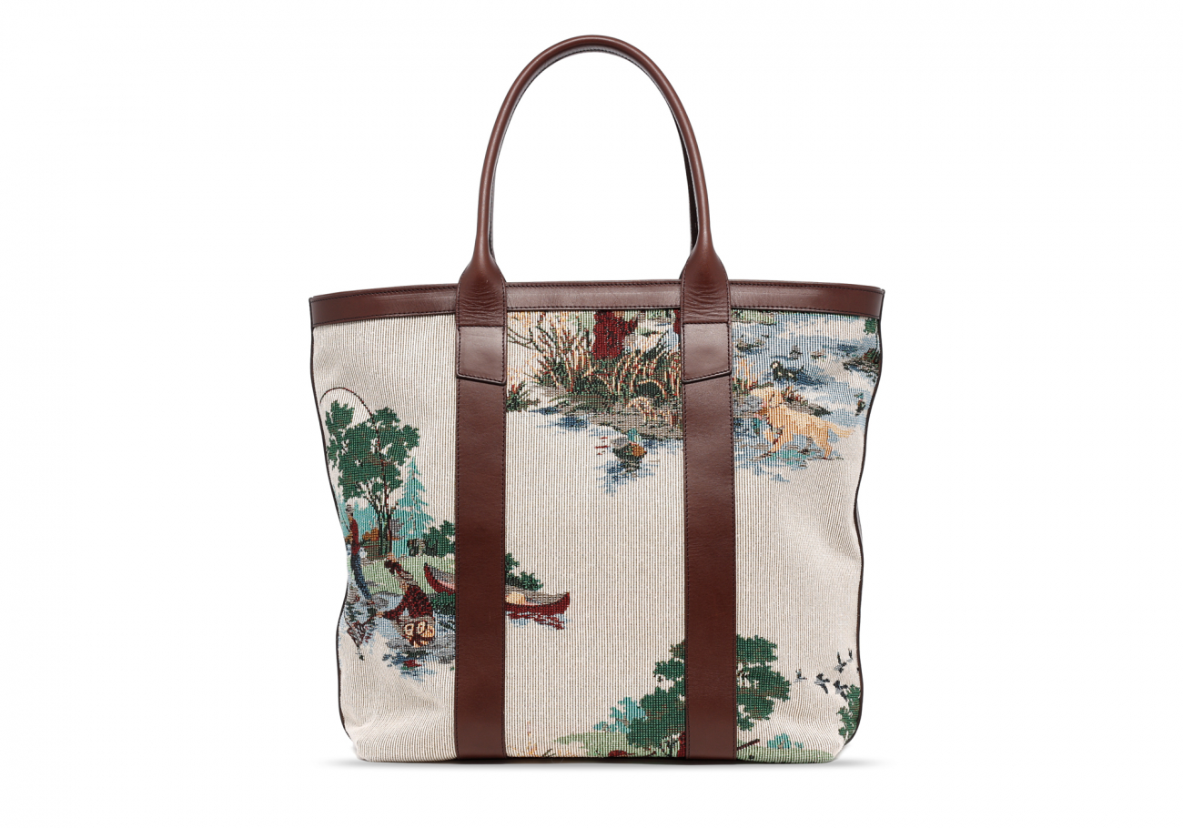 Tall Tote Outdoor Tapestry1