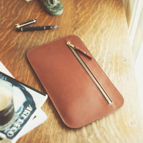Small Zip Case in Smooth Tumbled Leather
